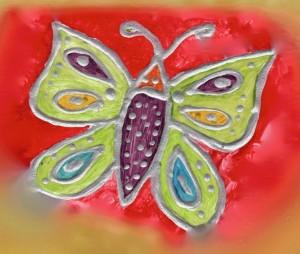 Abriendo el corazón con alas de mariposa