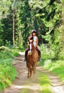Elizabeht cabalgando la vida de gloria