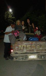 transportando-las-maletas-por-la-noche